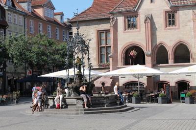 Das Gebiet um Göttingen wurde schon in der Jungsteinzeit besiedelt, doch erst im Mittelalter wuchs die Stadt vermehrt