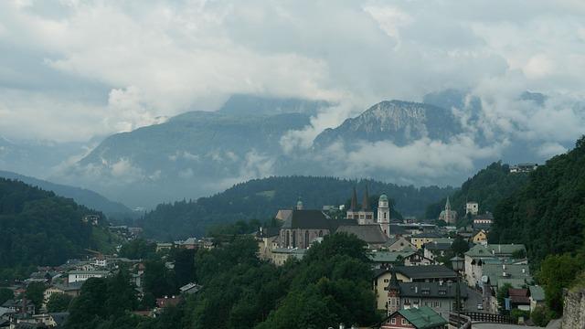 Berchtesgaden wird von den Berchtesgadener Alpen umgeben