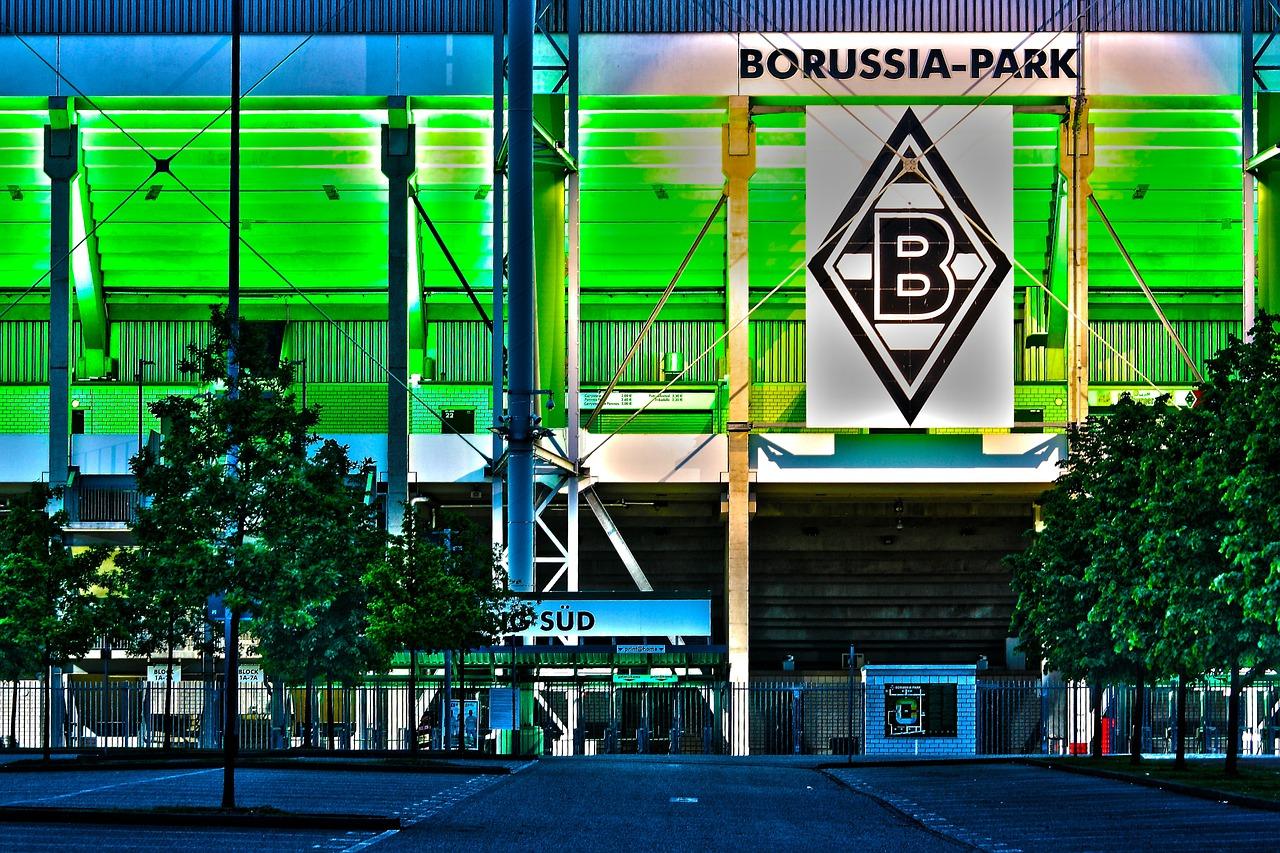 Quelle: https://pixabay.com/de/borussia-stadion-fu%C3%9Fball-597506/