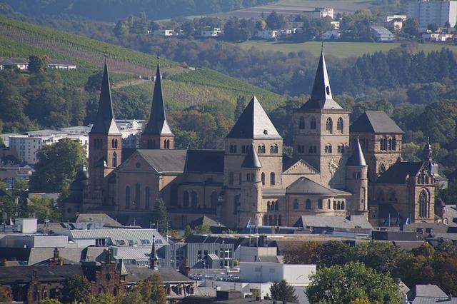 Unmittelbar neben dem Dom von Trier befindet sich die gotische Liebfrauenkirche