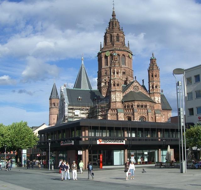 Der Mainzer Dom ist ein herausragendes Beispiel romanischer Baukunst