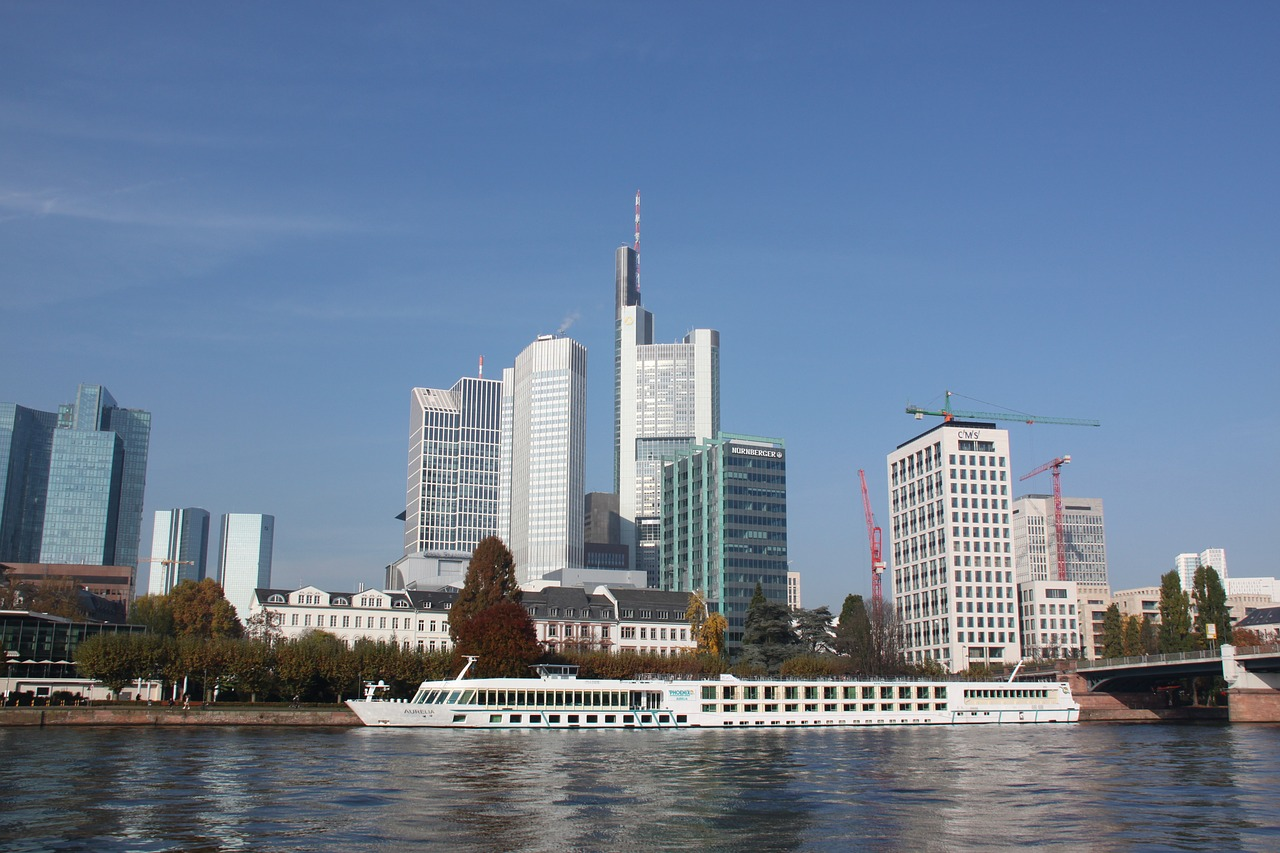 Quelle: https://pixabay.com/de/frankfurt-skyline-frankfurt-am-main-1210377/