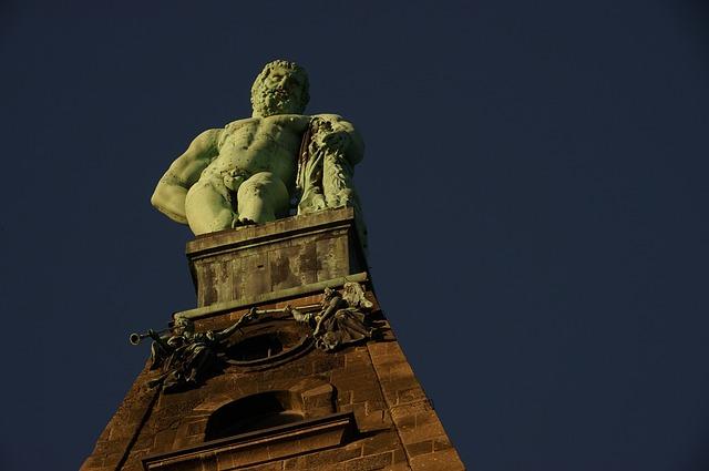Erstmals urkundlich erwähnt wurde Kassel zu Beginn des 10. Jahrhunderts