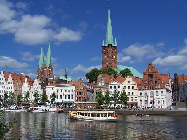 Gotische Backsteinkirchen prägen das Stadtbild von Lübeck