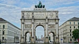 Imposantes Siegestor von München, dass Berlin oder Paris in nichts nachsteht